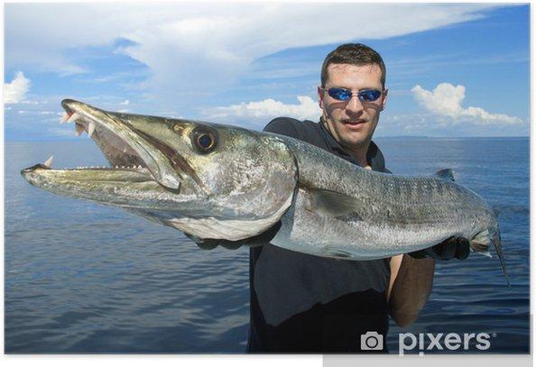 Poster Glücklicher Fischer, die eine riesige Barrakudas - Freiluftsport