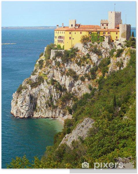 Poster Gothic Duino Burg auf einem Felsen über der Adria, Italien. - Europäische Städte