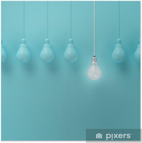 Poster Hängende Glühbirnen mit einer unterschiedlichen Idee auf hellblauem Hintergrund, Minimal Konzept Idee, flach lag glühend, top - Business