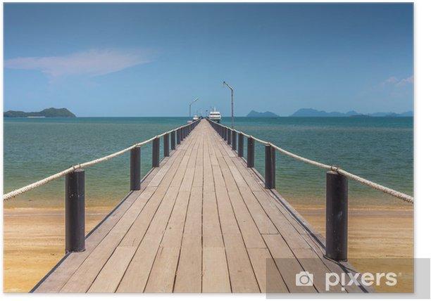 Poster Holzbrücke an einem schönen Strand an einem sonnigen Tag - Infrastruktur