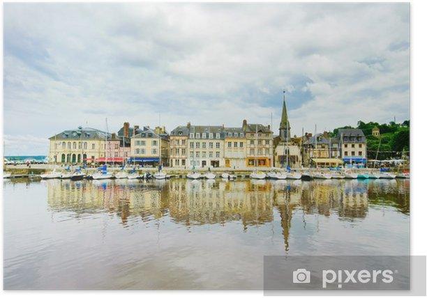 Poster Honfleur Hafen und Skyline mit Reflexion. Normandie, Frankreich - Europa