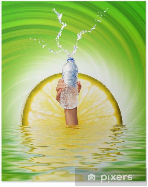 Poster Menschliche Hand, eine Flasche Wasser - Körperteile