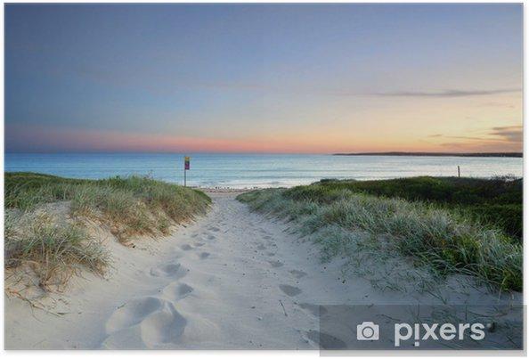 Poster Sandstrand in der Spur in der Abenddämmerung Sonnenuntergang Australien - Ozeanien
