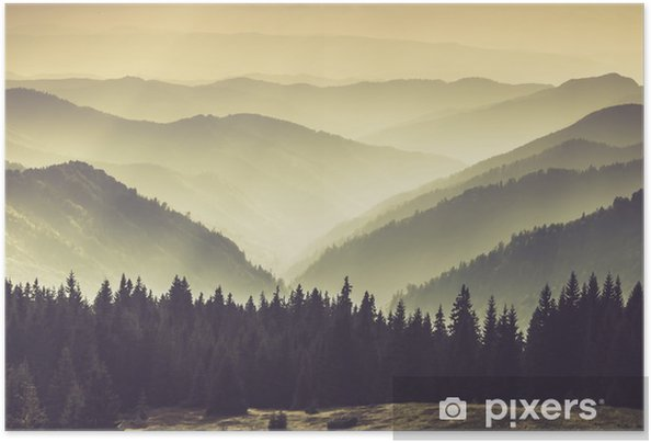 Póster Autoadhesivo Paisaje de colinas brumosas montañas. - Paisajes