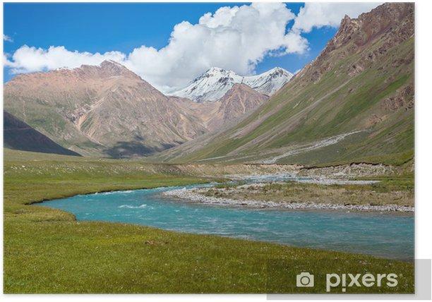 Poster Blue River et les pics de neige sur les montagnes de Tien Shan - Asie