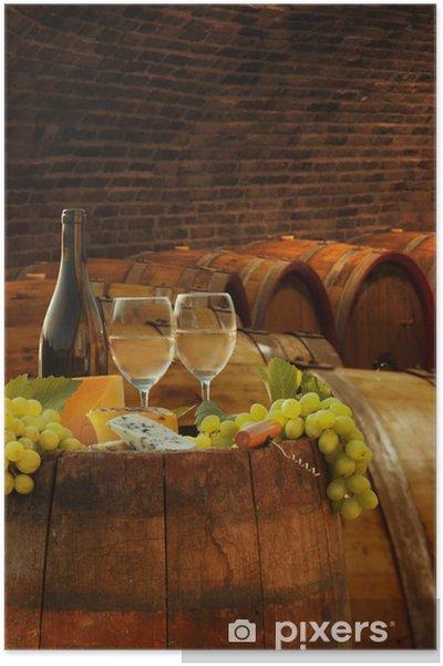 Poster Cave de vigne avec des verres de vin blanc contre de barils - Europe
