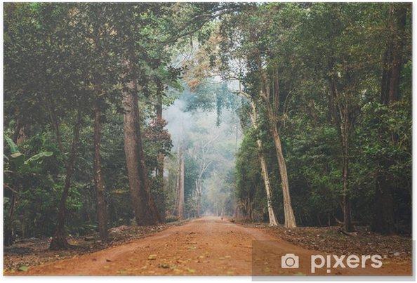 Poster Chemin de terre étirement à travers la jungle cambodgienne. - Paysages