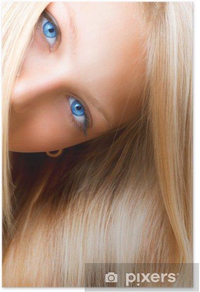 Poster Cheveux blonds. Fille blonde avec les yeux bleus • Pixers® - Nous  vivons pour changer