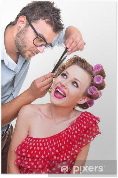 Poster Coiffeur faire une coiffure de femme blonde, isolé - Mode