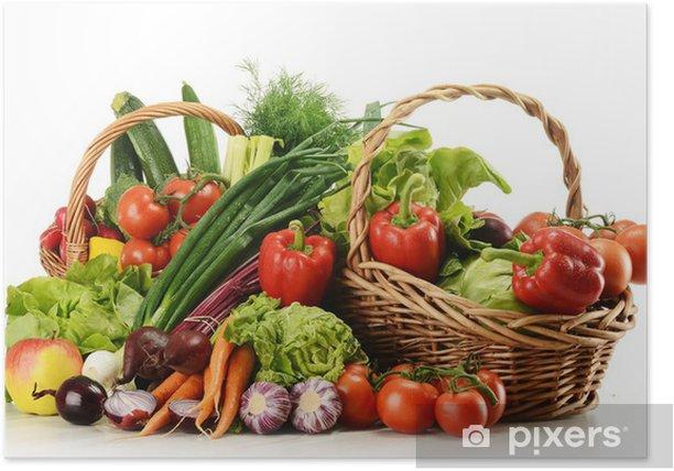 Poster Composition avec des légumes crus et panier en osier - Légumes