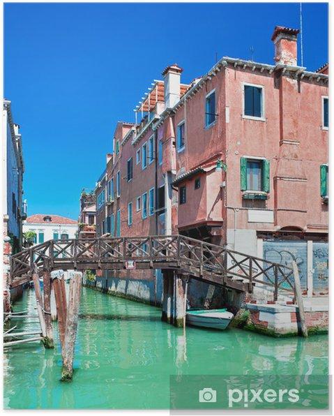 Poster Couleur Canal de Venise avec le pont et des maisons dans l'eau, de l'Italie - Villes européennes