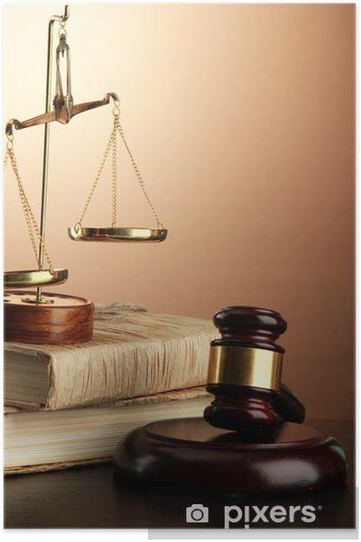 Póster Escalas de oro de la justicia, martillo y los libros sobre fondo marrón - Otros objetos