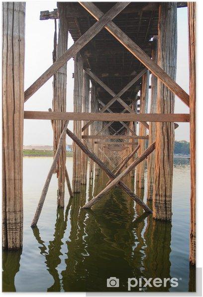 Póster Estructura Bajo el puente de madera de teca de U Bein, Amarapura en Myanm - Asia
