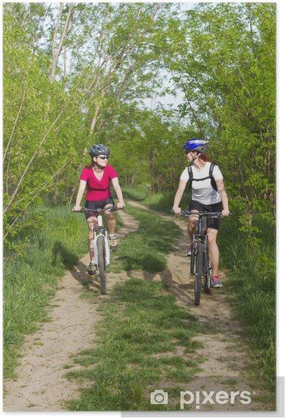 Poster Filles VTT dans la forêt - Cyclisme