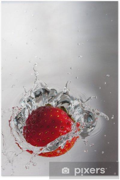 Póster Fresa en agua - Frutas