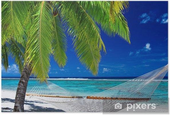 Poster Hamac vide entre les palmiers sur la plage - Palmiers