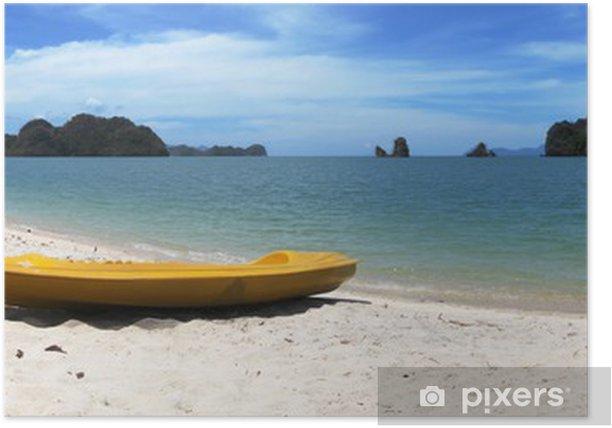 Poster Kayak jaune sur la célèbre plage Thanjung Rhu de Langkawi, Malaisie - Eau
