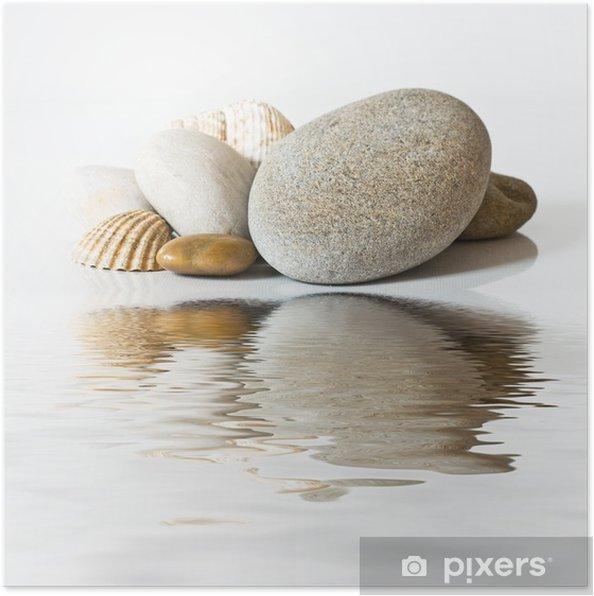 Poster Kiezels en schelpen op het water -