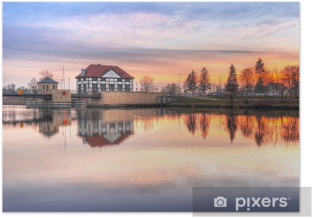 Poster L'architecture du pont sur le canal d'Elblag au coucher du soleil, de la Pologne - Thèmes