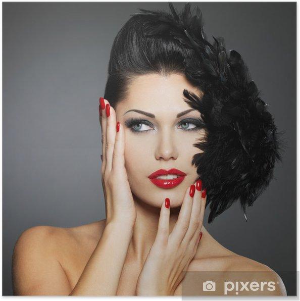 952a76ec16 Póster La mujer con las uñas de color rojo y el peinado creativo ...