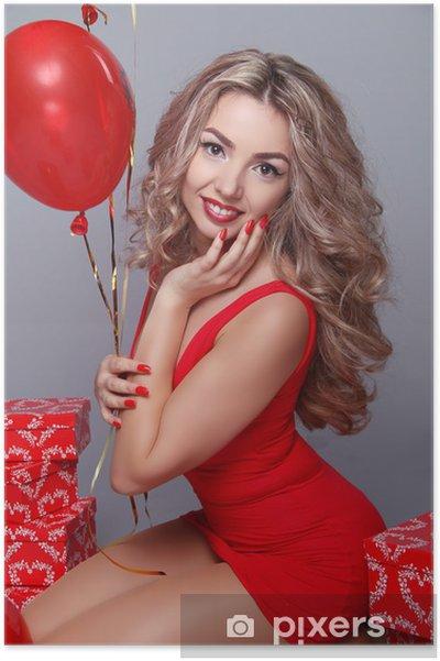 Poster La Saint Valentin. Belle femme heureuse avec des ballons rouges de coeur o - Fêtes internationales