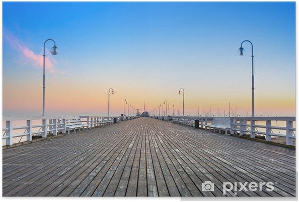 Poster Lever de soleil à jetée en bois à Sopot sur la mer Baltique, la Pologne - Thèmes