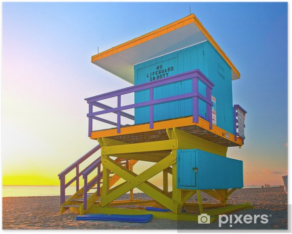 Poster Lever de soleil à Miami Beach en Floride, avec une maison de maître nageur coloré dans une architecture typique Art Déco, au lever du soleil avec l'océan et le ciel en arrière-plan. - Amérique