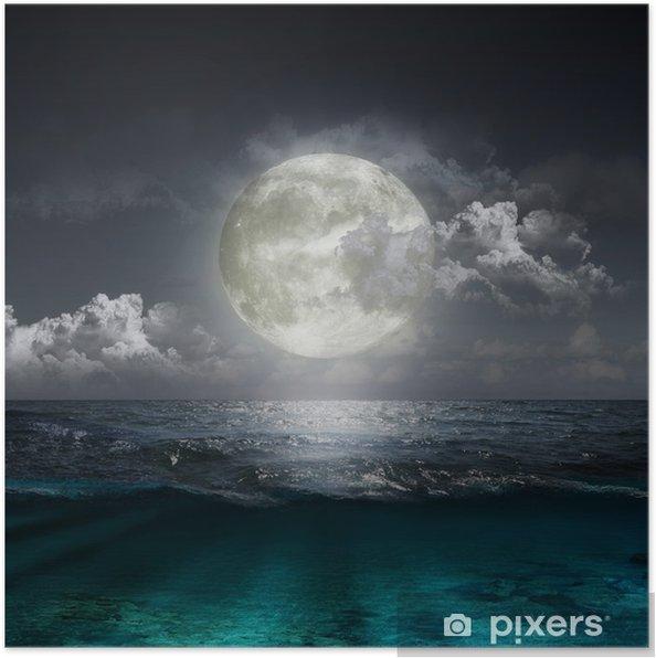 Póster Luna reflejándose en un lago - Mar y océano