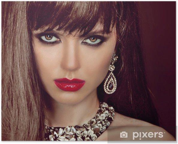 Poster Mode femme aux cheveux bruns et maquillage de soirée. Bijoux et B - Femmes