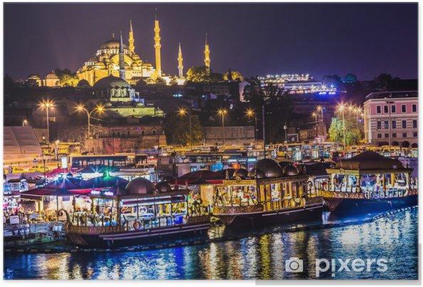 Poster Nacht zicht op de restaurants aan het einde van de Galata-brug, S - Midden Oosten