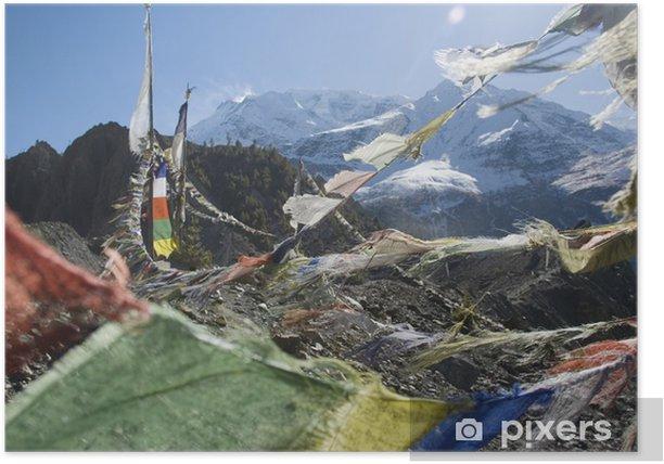 Poster Nieuwsgierige vlaggen bij Thorung La Pass, Himalaya, Nepal - Thema's