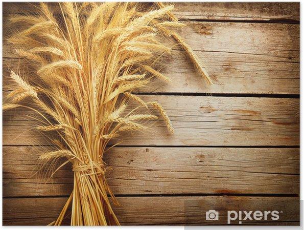 Poster Oreilles de blé sur la table en bois. concept de récolte - Thèmes