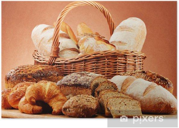 Poster Panier en osier avec une variété de produits de boulangerie - Riz