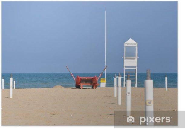 Poster Plage vide avec la tour de garde et le bateau de sauvetage à Rimini - Europe