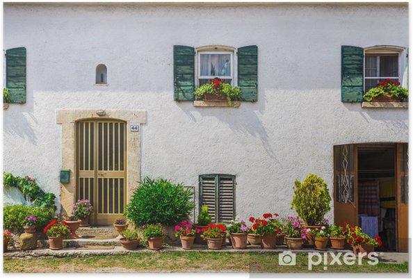 Poster Portes Et Fenêtres Dans Une Ancienne Maison Décorées Avec Des