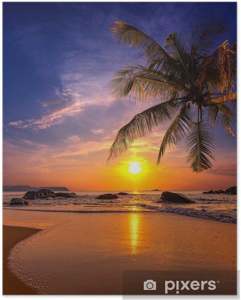 Póster Puesta de sol sobre el mar. Provincia Khao Lak en Tailandia -