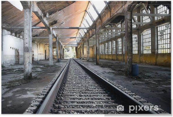 Poster Rails in verlaten fabriek - Industriële en Commerciële Gebouwen