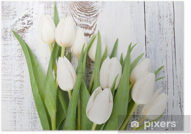 Póster Ramo de tulipanes blancos sobre la mesa de madera blanca - Temas