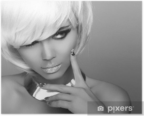 Poster Regarder. Fille blonde de mode. Portrait de beauté de la femme. Blanc court Ha - Femmes