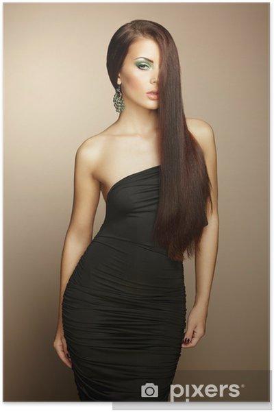 Vestido negro para mujer morena