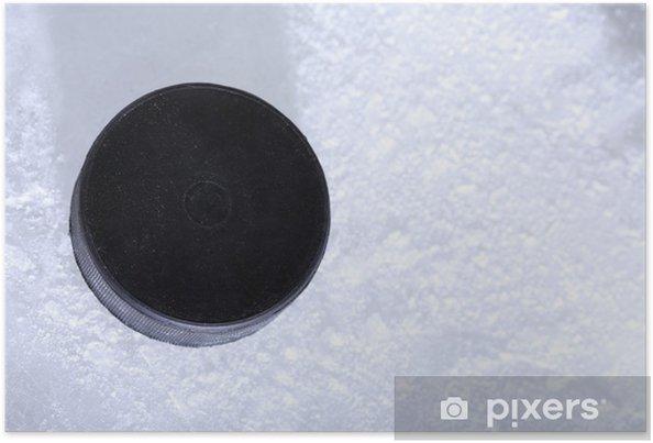Poster Rondelle de hockey noir sur la patinoire fond - Articles de sport