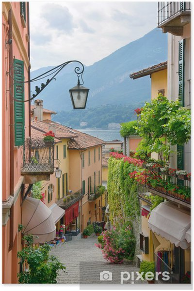 Poster Schilderachtig uitzicht stadje straat in Comomeer Italië - iStaging