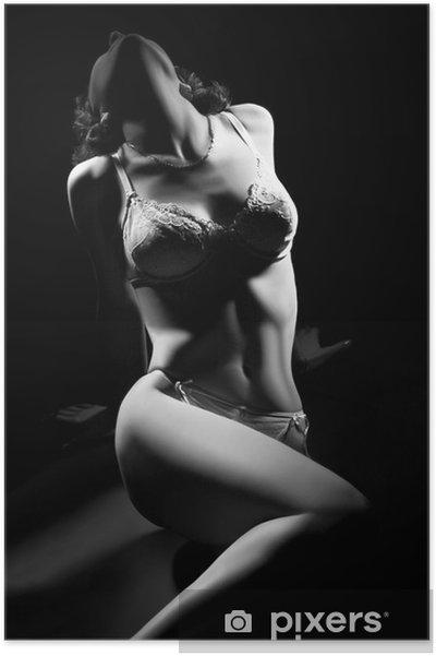 Poster Sexig kvinna kropp i underkläder på svart. - Underkläder
