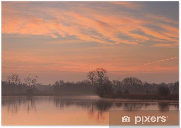 Poster Soleil levant à un petit étang en Hollande. - Saisons