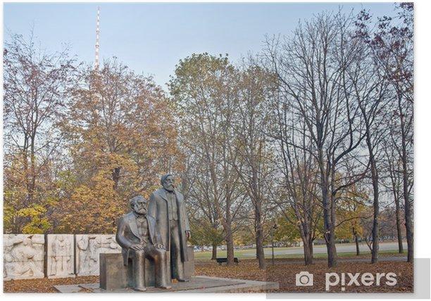 Poster Statue de Karl Marx et Friedrich Engels à Berlin, Allemagne - Villes européennes