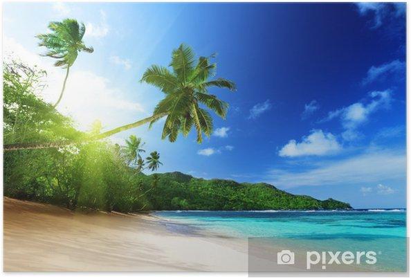 Poster Strand bij zonsondergang tijd op Mahe eiland in de Seychellen - Thema's