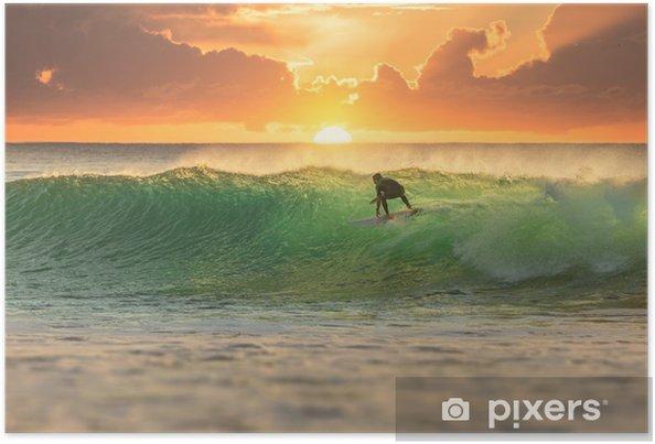 Poster Surfeur surfant au lever du soleil - iStaging
