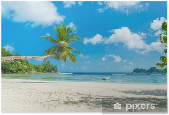 Poster Tropical beach Baie Lazare avec le bateau, l'île de Mahé, Seychelles - Vacances