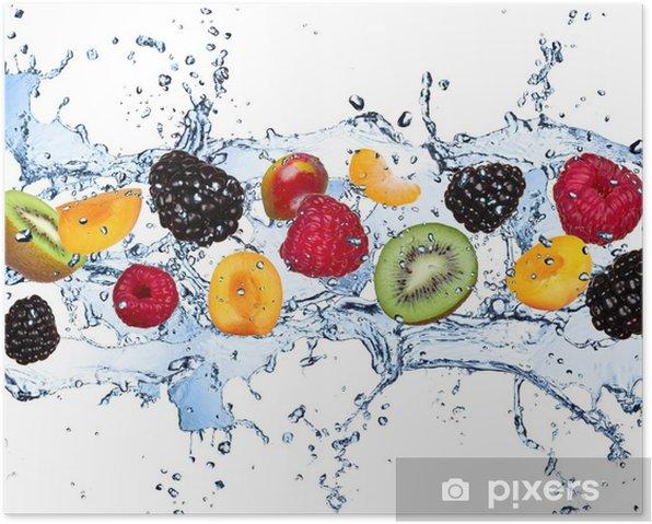 Poster Vers fruit in het water splash, geïsoleerd op witte achtergrond - Frambozen