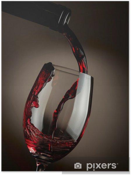 Poster Verser le vin rouge dans le verre sur fond sombre - Thèmes